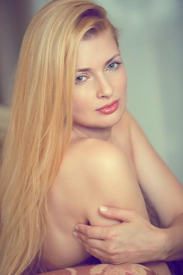 外国人モデルのナタリ・Wの写真