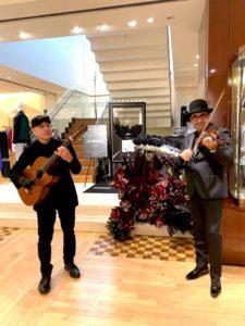 外国人ミュージシャンンのポール・フローレアとジオ・グイド
