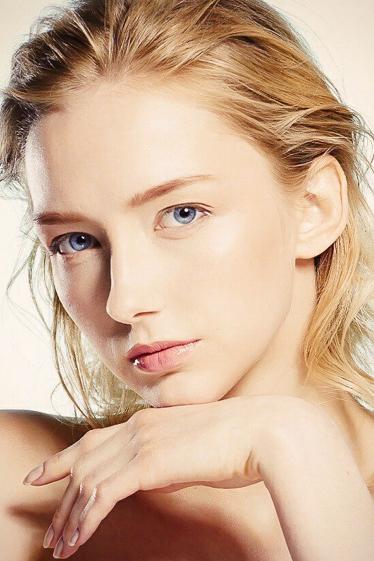 外国人モデル アラの写真