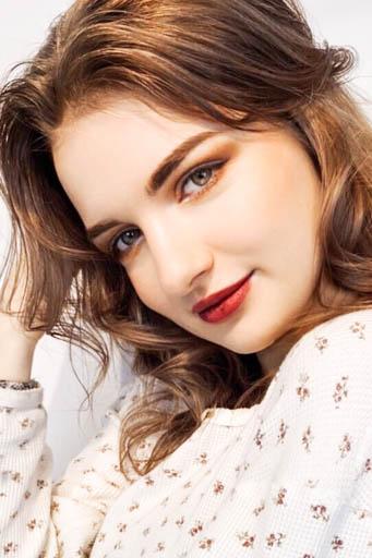 外国人モデル クレア・Kの写真