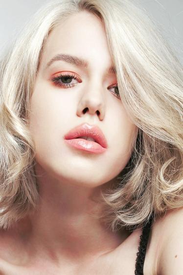外国人モデル シェリー・Yの写真