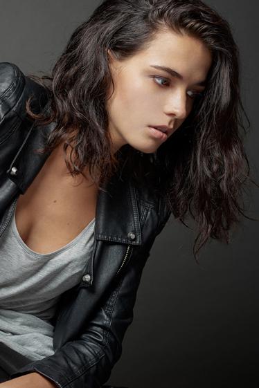 外国人モデル カーリーの写真9