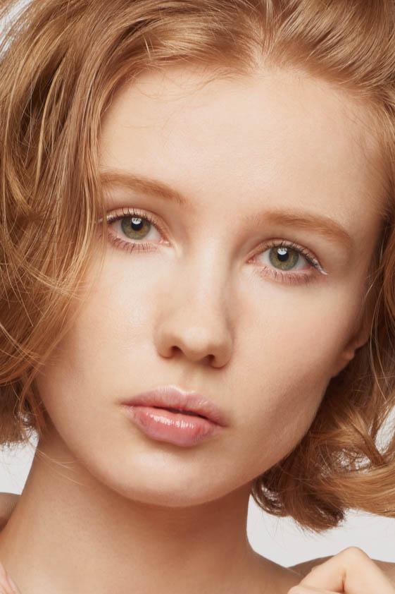 外国人モデル アリーナ・Lの写真