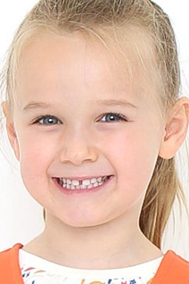 外国人モデル クララ・Mの写真1