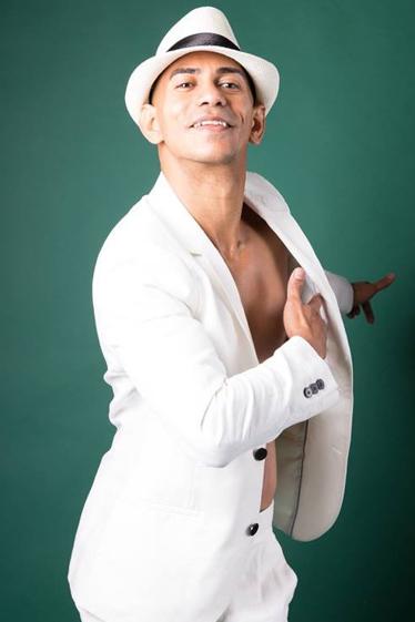 外国人モデル/外国人シンガー・ミュージシャン/外国ダンサー・パフォーマー アレ・ヴィラーの写真3