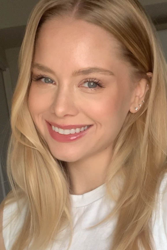 外国人モデル ケイト・Jの写真