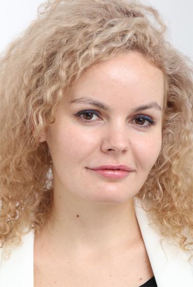 外国人モデル イリーナ・LIの写真