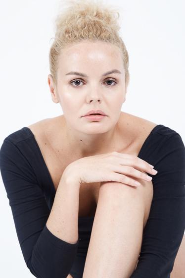 外国人モデル イリーナ・LIの写真3