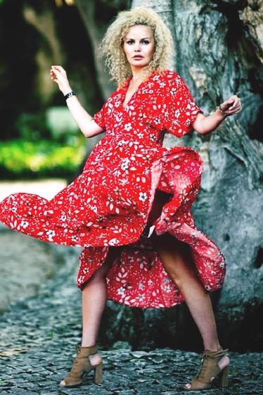 外国人モデル イリーナ・LIの写真4