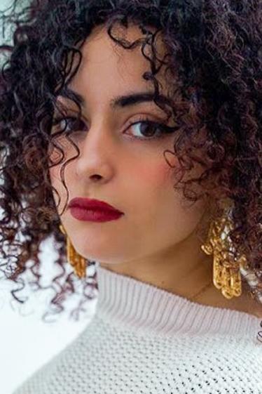 外国人モデル サラ・Lの写真