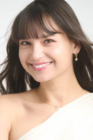 外国人モデル ナディーン・Kの写真