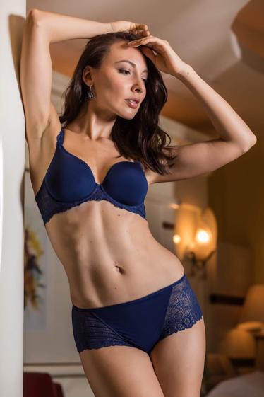 外国人モデル ジュリヤ・Gの写真8