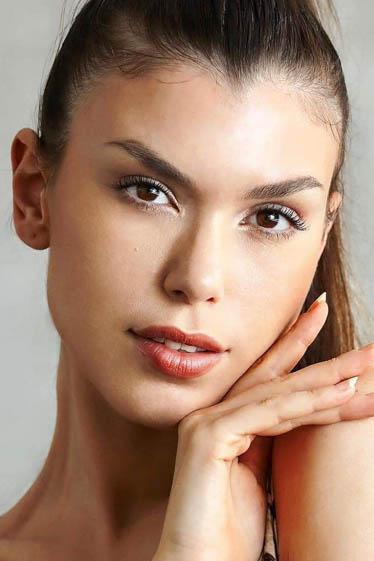 外国人モデル イラリーの写真