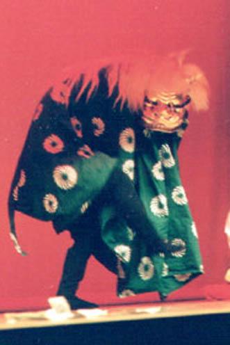 外国人ダンサー・パフォーマー 獅子舞(江戸里神楽)の写真2