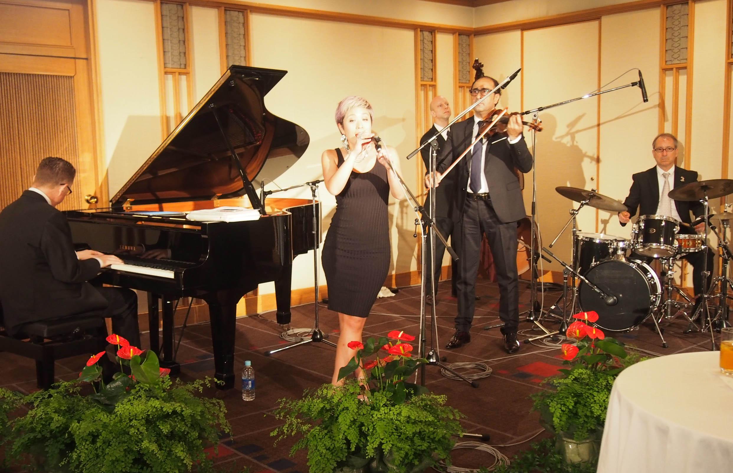 外国人シンガー・ミュージシャン アカデミア Jazz band の写真3