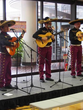 外国人シンガー・ミュージシャン ロス・アミーゴス・マリアッチ メキシコマリアッチの写真