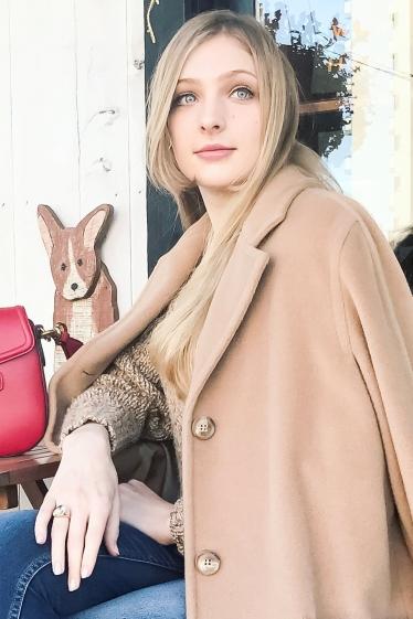 外国人モデル アーニャの写真7