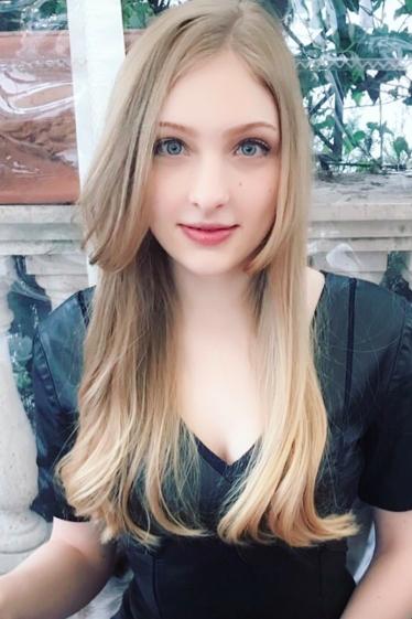 外国人モデル アーニャの写真9