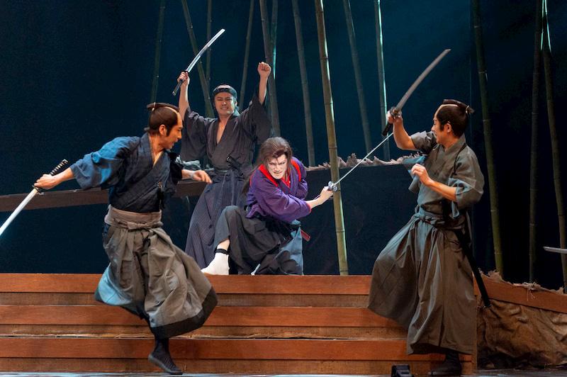 舞台「赤と黒 サムライ・魂」の京本政樹