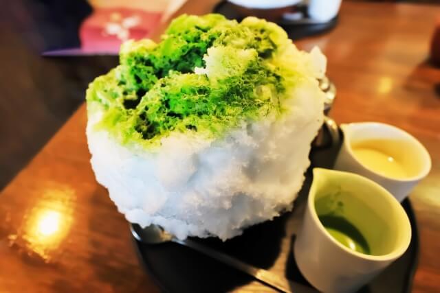抹茶かき氷の写真/3つの日本猛暑サバイバル方法:ママ・アミア法