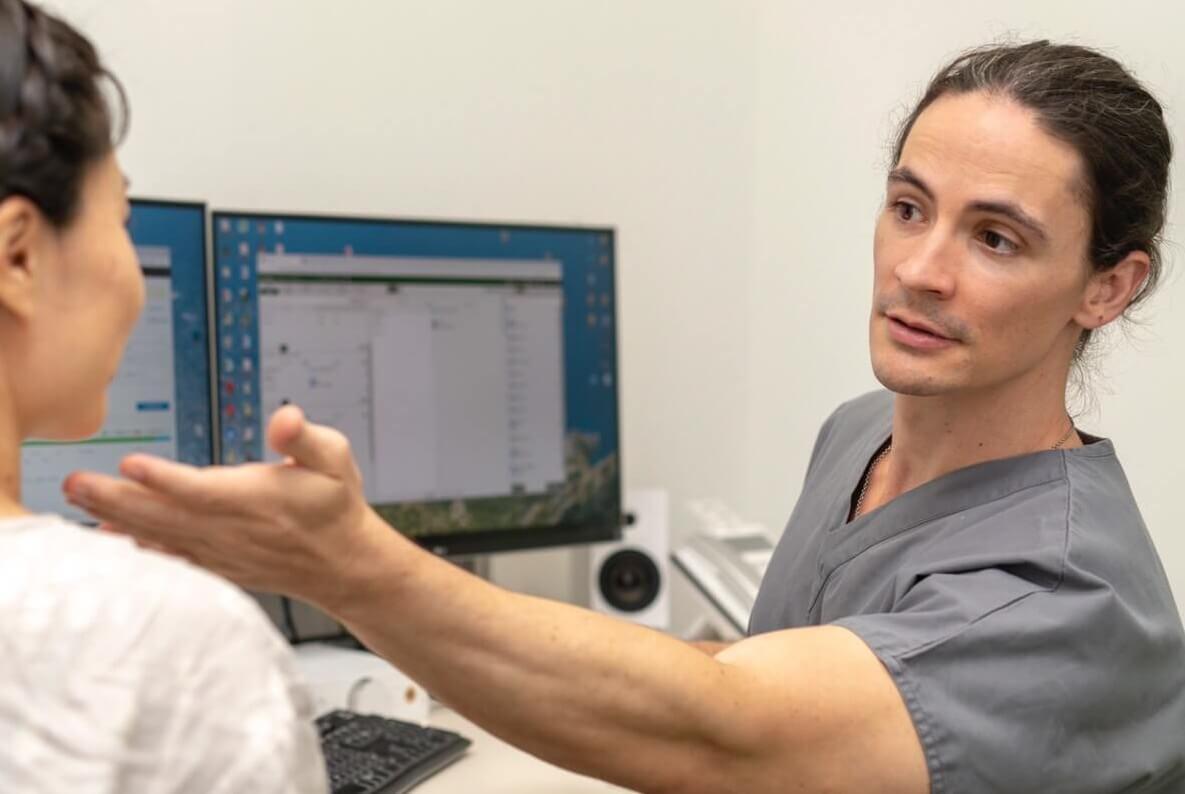 【MY STORY】日本の難関国立大学医学部を卒業。日本で形成外科医となった世界を旅するフリーター医師 Dr.ネイト