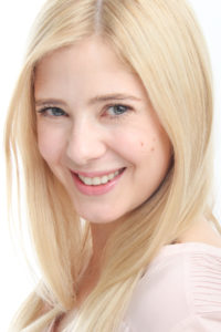 外国人タレントのJanni Olssonヤンニ・オルソンの写真