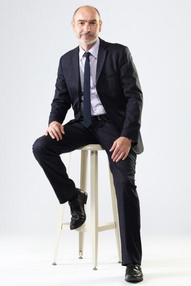 外国人男性ミドルモデル「マヌ」の写真