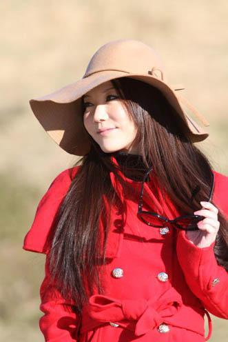 中国人タレント、モデル、ナレーターのインミャオ